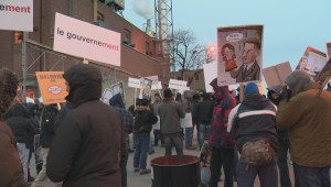 Raw video: City workers protest in Montreal