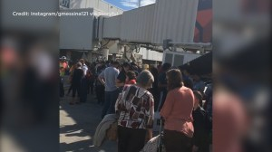 Video shows passengers waiting at Ft. Lauderdale airport tarmac