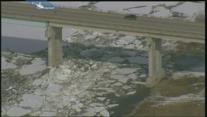 Massive ice jam near Selkirk causing great concern for officials