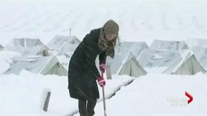 Syrian refugees struggle in bitter weather conditions