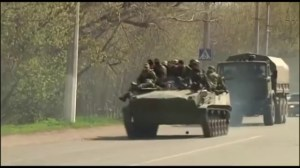 Pro-Russian convoy rolls into eastern Ukrainian city