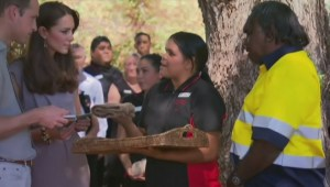 Royals get Aboriginal gifts in Outback