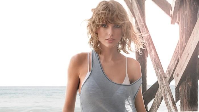 Foto Seksi Dalaman Taylor Swift Dengan Baju Menerawang di Majalah GQ 2