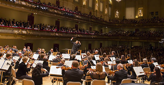 [Andris Nelsons and the BSO (Photo by Chris Lee)]