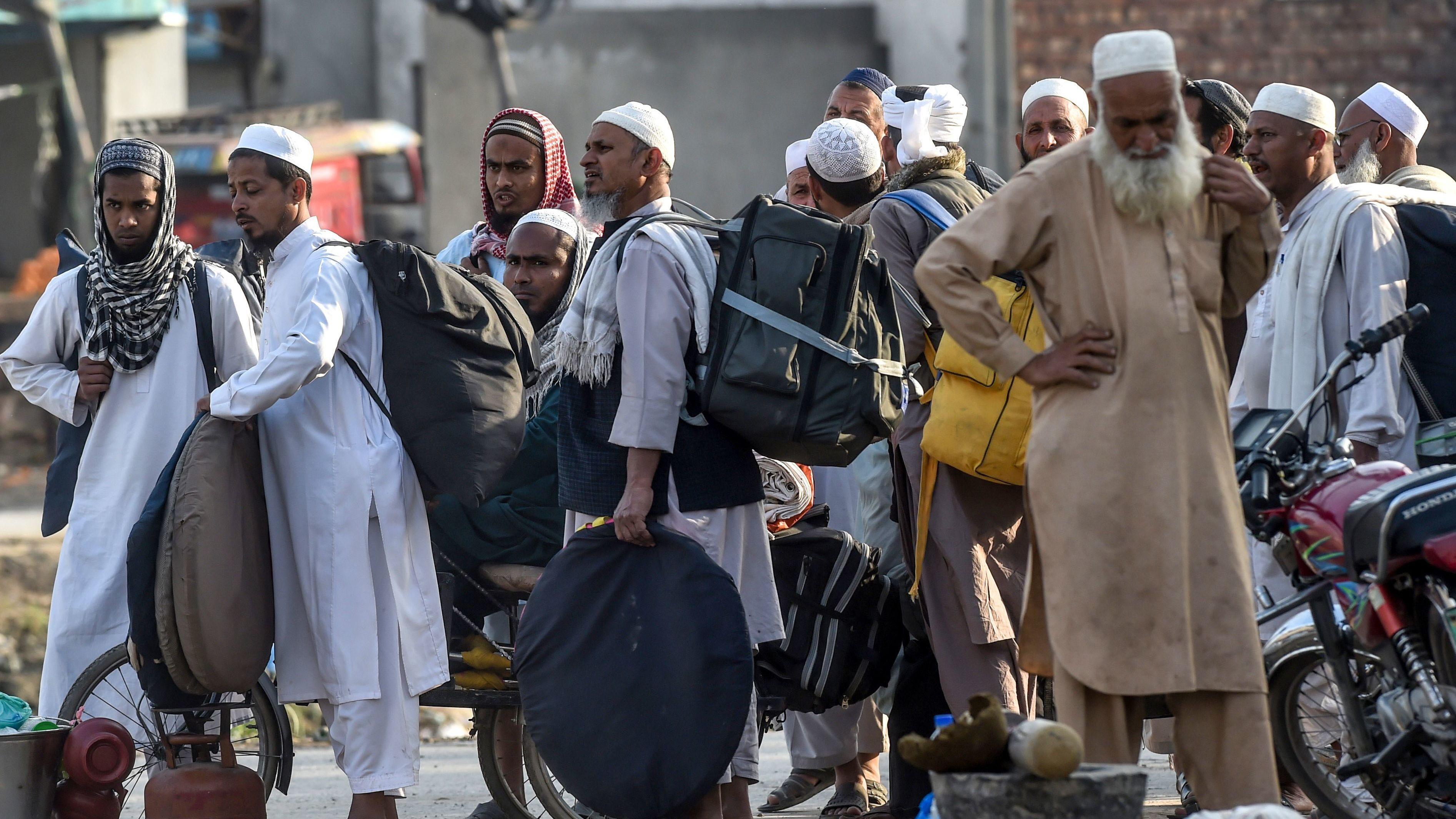 Mass Religious Gathering In Pakistan Leads To Fresh Concerns Over ...