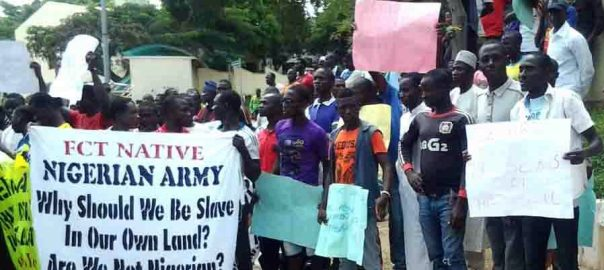 pic-25-abuja-natives-protest-in-abuja