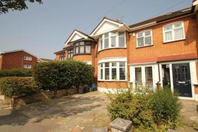 4 bedroom terraced house for sale in Havering Gardens, Chadwell Heath, RM6