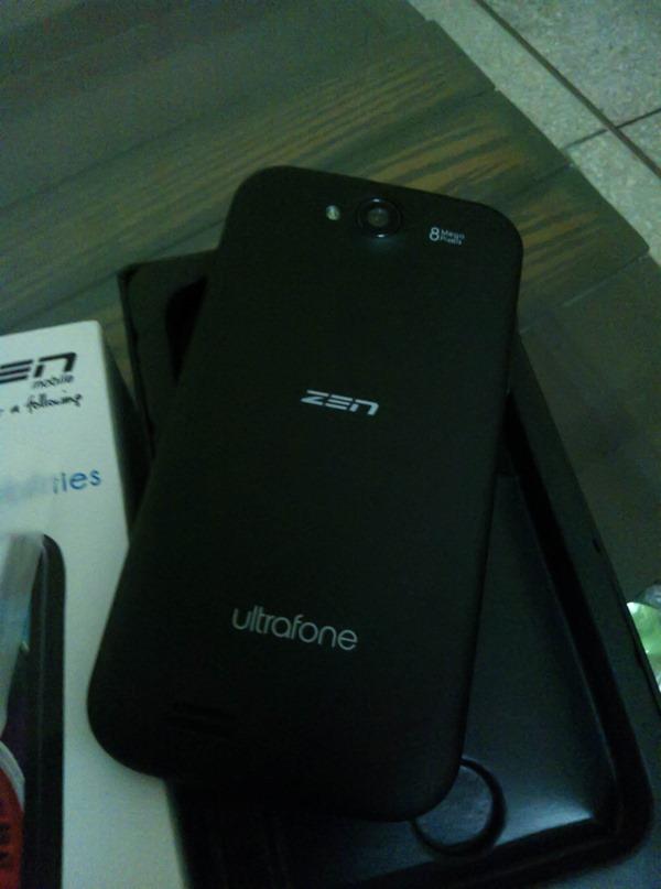 Zen_Ultrafone_701HD_Out_Of_Box_Back
