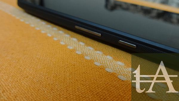Motorola Moto E 2015 Buttons