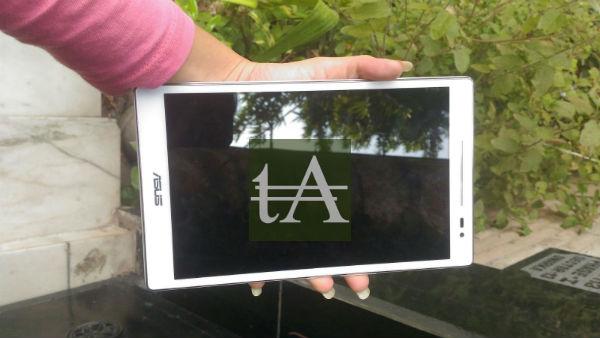 Asus ZenPad 8 Front