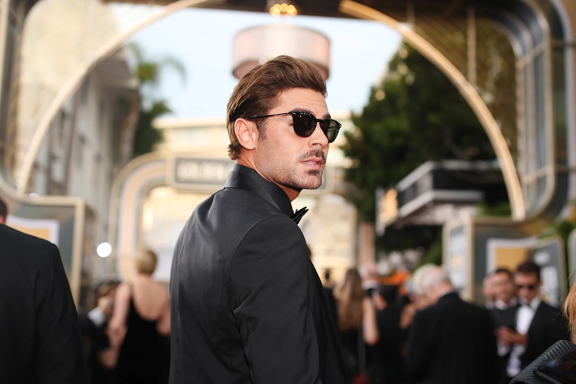 Does Zac Efron Have Dreadlocks    Vanity Fair