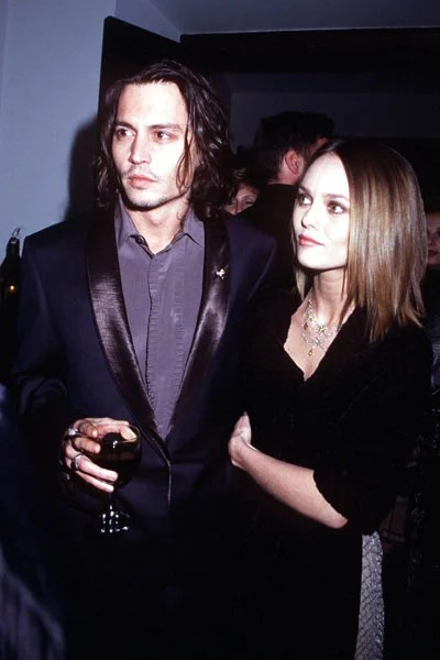 In November 1999  Johnny Depp and Vanessa Paradis went to the LA     In November 1999  Johnny Depp and Vanessa Paradis went to the LA premiere  of Sleepy
