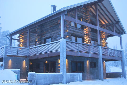 Cabin above the Arctic Circle