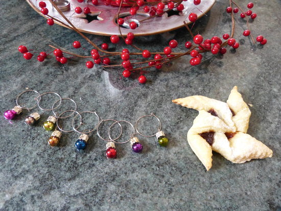Bauble wine charms