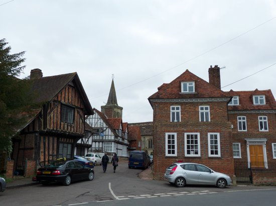Exploring Lingfield old town in Surrey, England