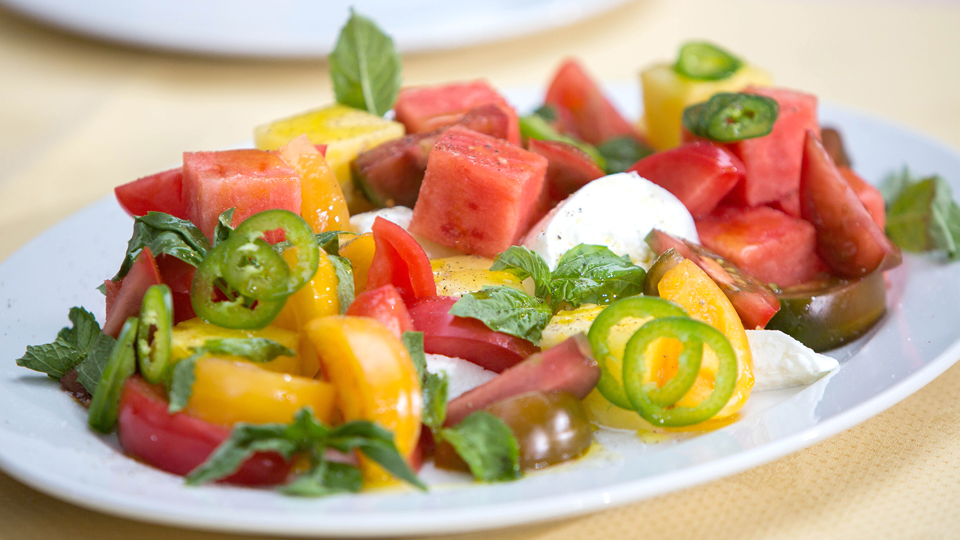 Splendid Burrata Ed Brown Heirloom Tomato Salad Today Tease 170829 5d12cd6e10ec5bc8fb6f6d5130a255cb Heirloom Tomato Salad Feta Heirloom Tomato Salad nice food Heirloom Tomato Salad