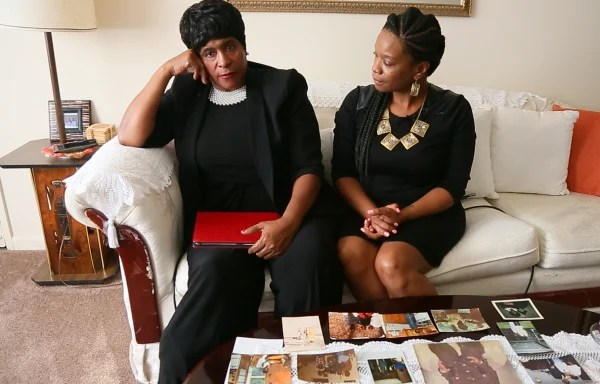 Image: Thelma and Natacha Pannell.