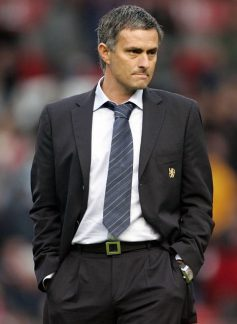 http://i2.wp.com/mediagol.files.wordpress.com/2009/11/jose-mourinho1.jpg?resize=237%2C324