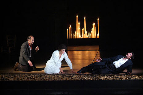 Nucci, Cedolins, and Alvarez in the end of Act 3