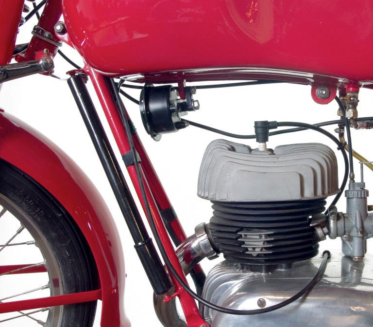 Vintage MV Agusta Motorbike 150CC – BATTLESEA