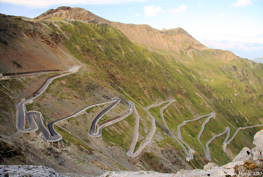 The 20 Greatest Driving Roads in the World :: Popular Mechanics