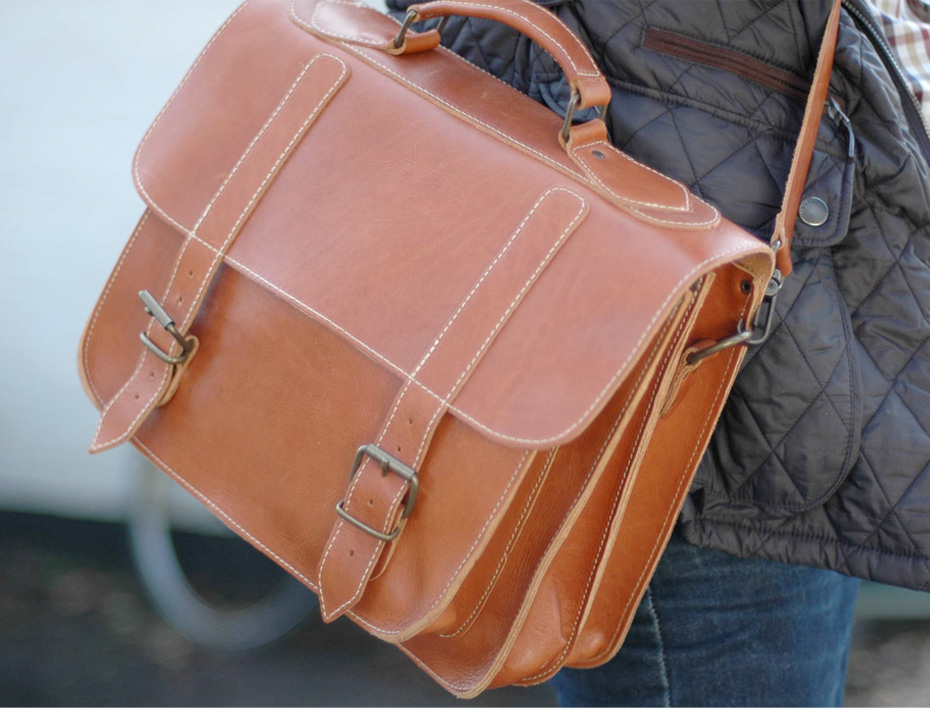 BEG :: Old School Satchel