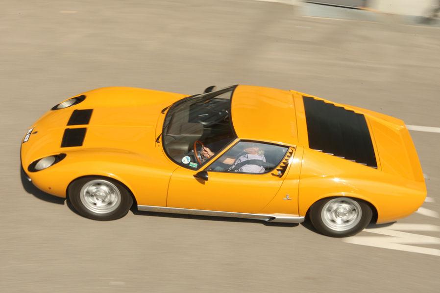 Lamborghini Miura P 400 :: via Motor Klassik
