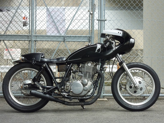 Yamaha SR400 :: AN-BU CUSTOM MOTORS