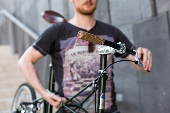pecker-bike-grips-pecker-design-designboom02