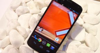 "[Review] — Moto X: o Motorola ""by Google"" convence?"