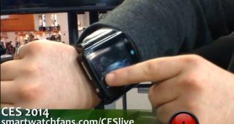 CES 2014: Neptune Pine, um smartwatch gigante ou um pequeno tablet de pulso