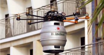 Governo proíbe esquema de entrega de cerveja por drones. Thanks, Obama!