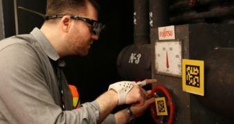 MWC 2014: uma luva inteligente para sanar problemas industriais