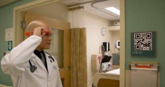 Médicos identificam pacientes utiizando Google Glass e QR Codes