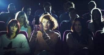 Agora Vai: um Projeto de Lei vai proibir celulares em cinemas e teatros