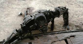 Algoritmo permite robô reaprender a andar após sofrer danos