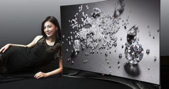 LG apresenta TV curva de luxo com… cristais Swarovski?!?