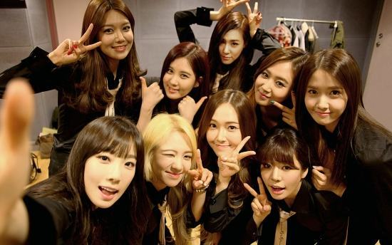 girls-generation-selfie