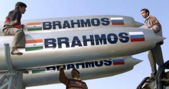 Míssil Pr0n Made In Índia — BrahMos