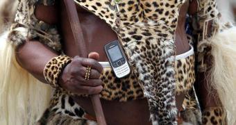 Etiópia transformando celular em comida