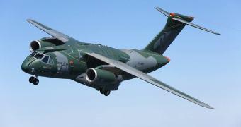 Direto do Brasil que dá certo: o KC-390 faz seu primeiro vôo