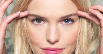 Clínica oferece cirurgia para mudar cor dos olhos