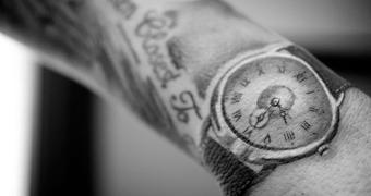 Tatuagens e cicatrizes no pulso estão bugando o Apple Watch
