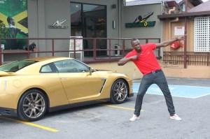 Foto 3_Nissan GTR Oro fue entregado a Usain Bolt