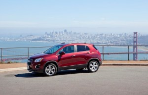 Chevrolet Trax Turbo vista lateral