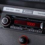 Volkswagen-Kombi-Last-Edition-Brasil-2013-flex-painel-som-MP3
