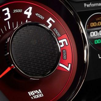 2015 Dodge Challenger SRT with the HEMI® Hellcat engine - tacho