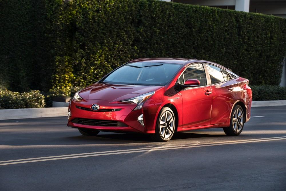 2016_Toyota_Prius_Four_Touring_18_DF3FEC2E37E5A7E561384AF32952A64B248C765E