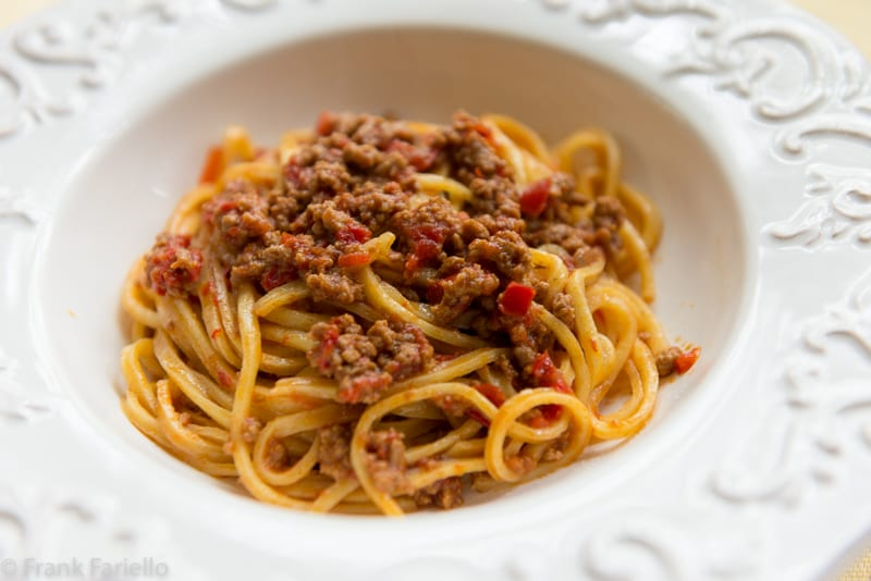 Ragù d'agnello e peperoni (Lamb and Red Pepper Ragù)