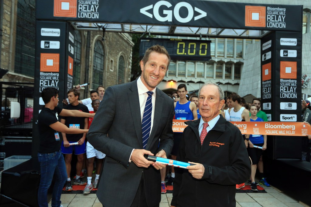 LONDON, ENGLAND - SEPTEMBER 17: <> during the Bloomberg Square Mile Relay on September 17, 2015 in London, England. (Photo by Stephen Pond/Getty Images) *** Local Caption *** Michael Bloomberg and Will Greenwood MBE on the start line